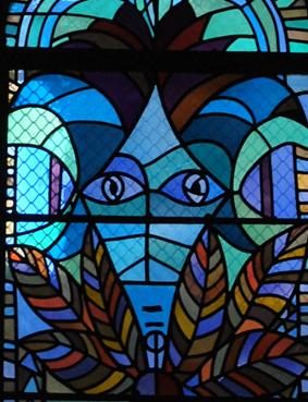 Les vitraux de Cocteau de l\'église St Maximin de Metz