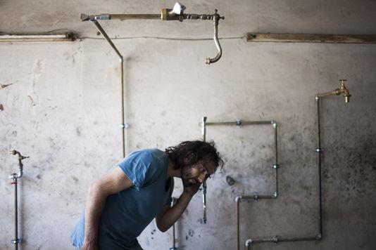 4539073 6 61c5 charbel samuel aoun dans son atelier a 468f4c155b6b3ae7d339f99c736e88df
